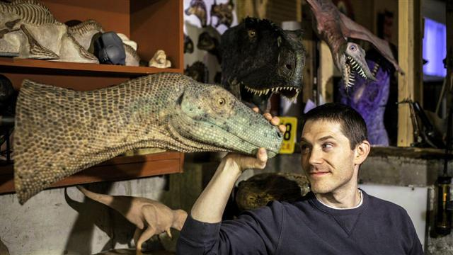 Paleoartist Brings Dinosaurs to Life
