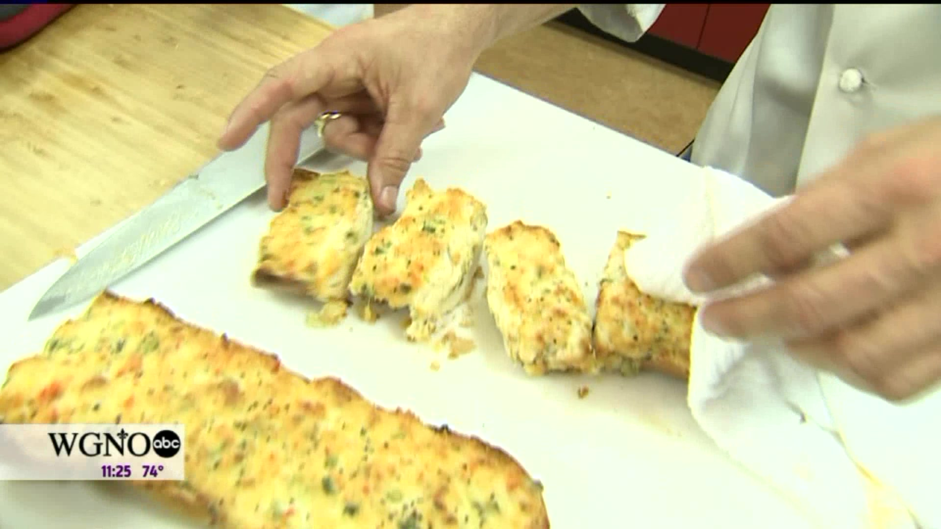 How to Make Cajun Crawfish Bread