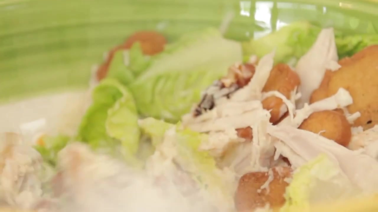 How to Make a Chicken Caesar Salad