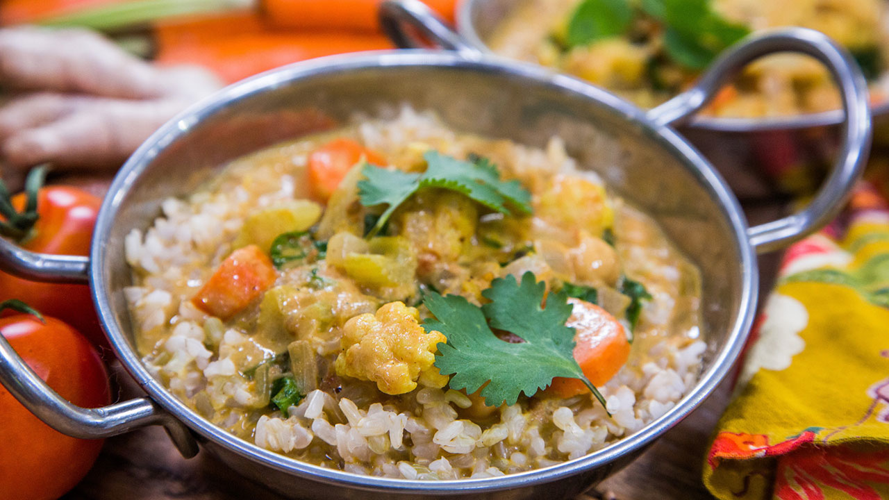 Cauliflower, Chickpea and Spinach Curry Recipe