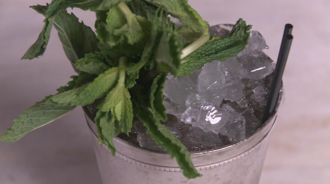 How to Make a Mint Julep: The Classic Kentucky Derby Cocktail