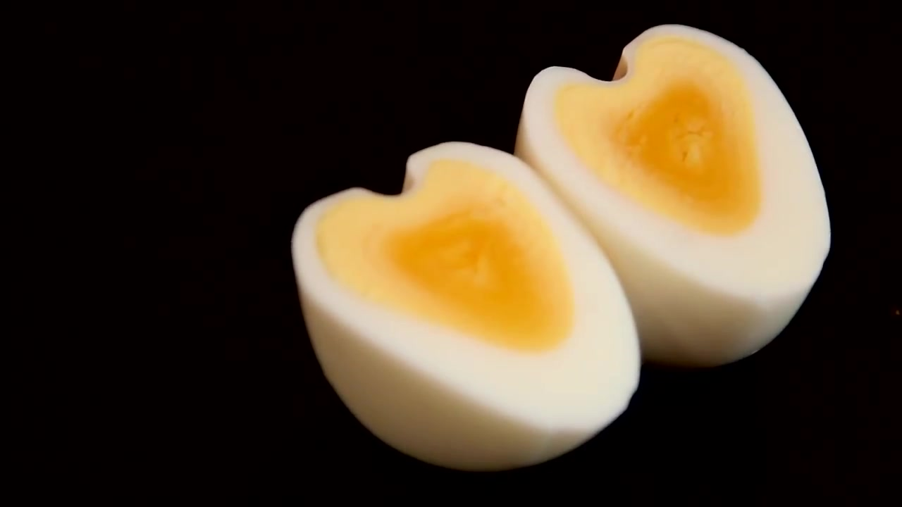 How to Make Heart Shaped Eggs