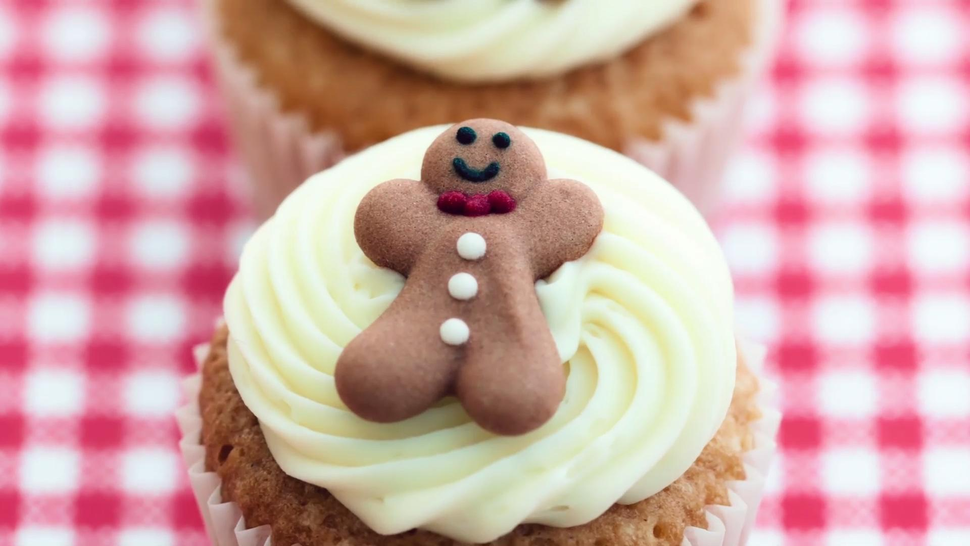 The Best Holiday Gingerbread Desserts to Entertain