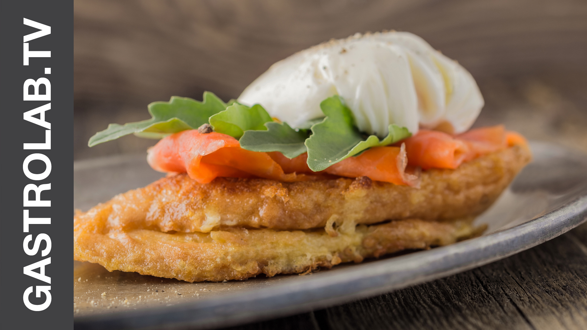 How to Make French Toast With Smoked Salmon and Poached Egg
