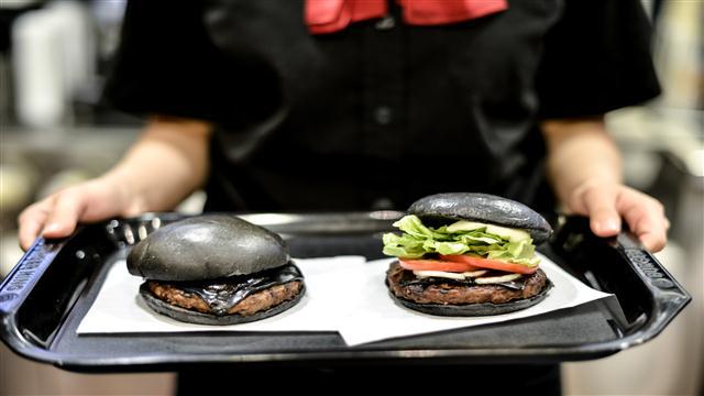 Japanese Black Burger Taste Test
