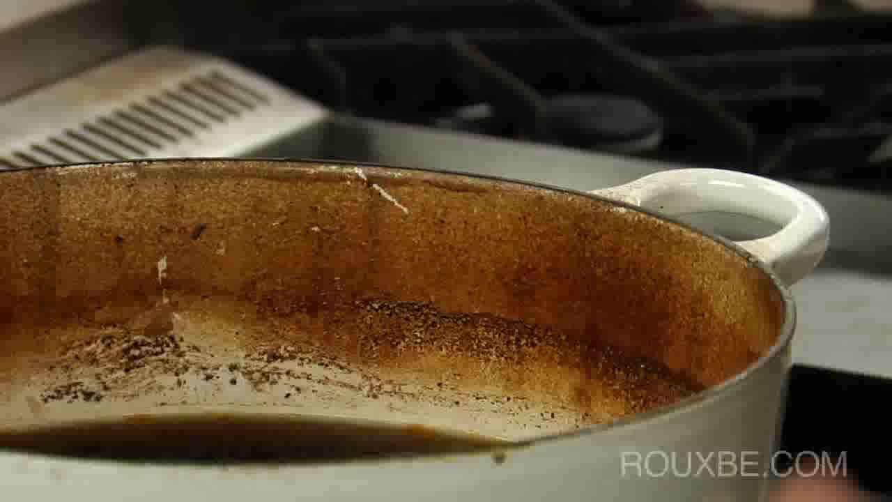 How to Clean a Cooking Pot