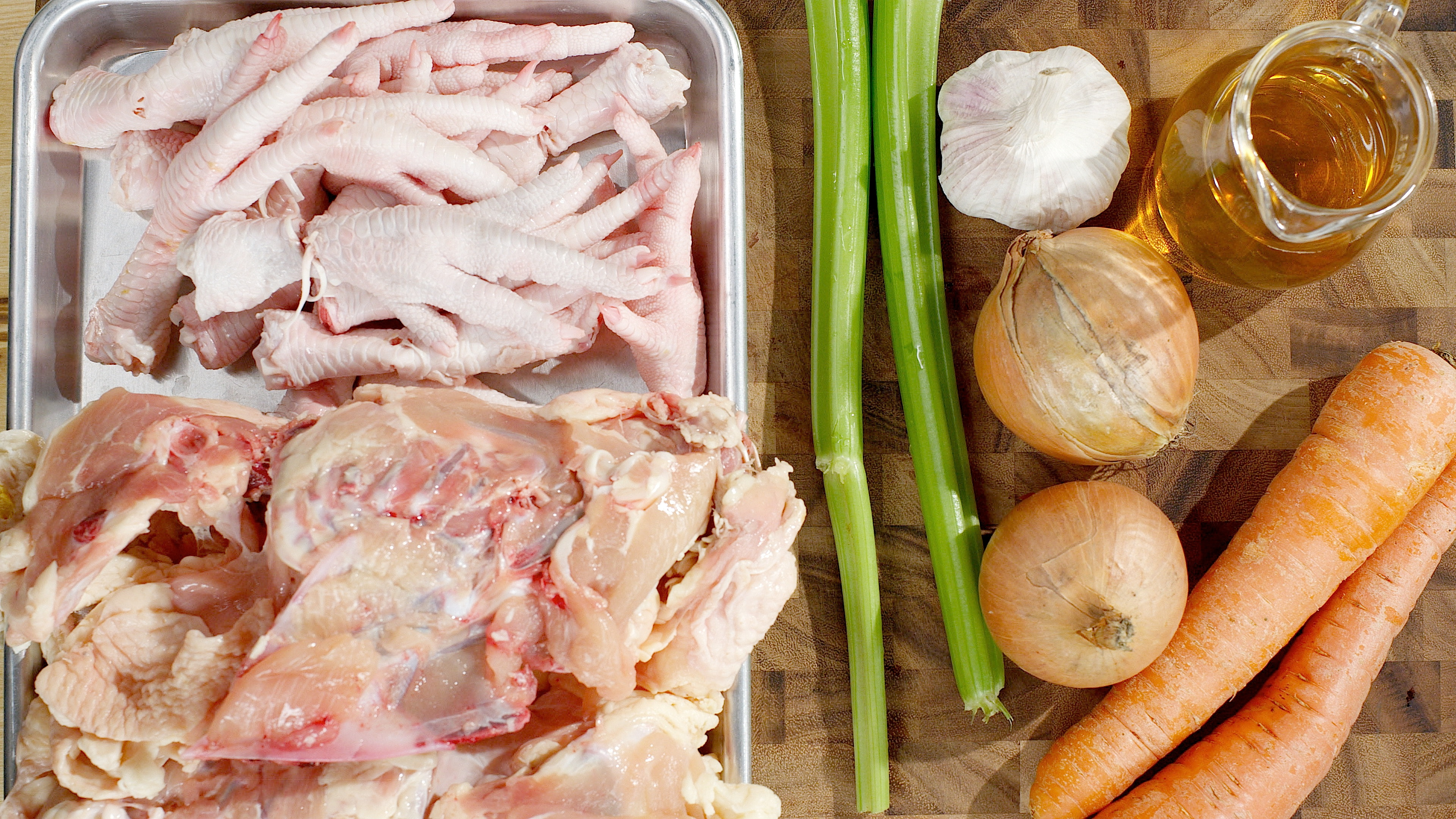 How to Make a 48 Hour Chicken Bone Broth in a Slow Cooker
