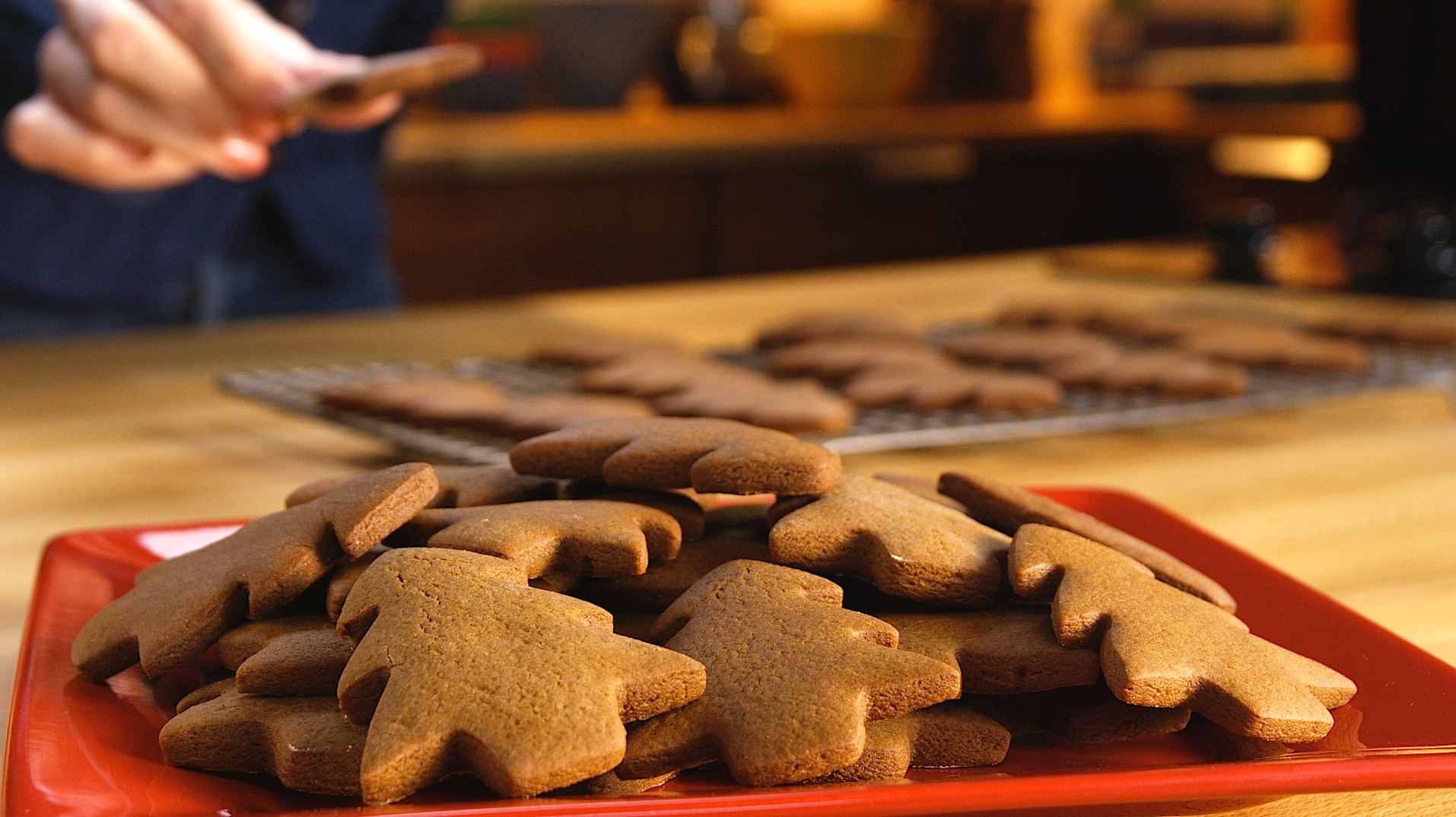 How to Make Easy Gingerbread Cookies