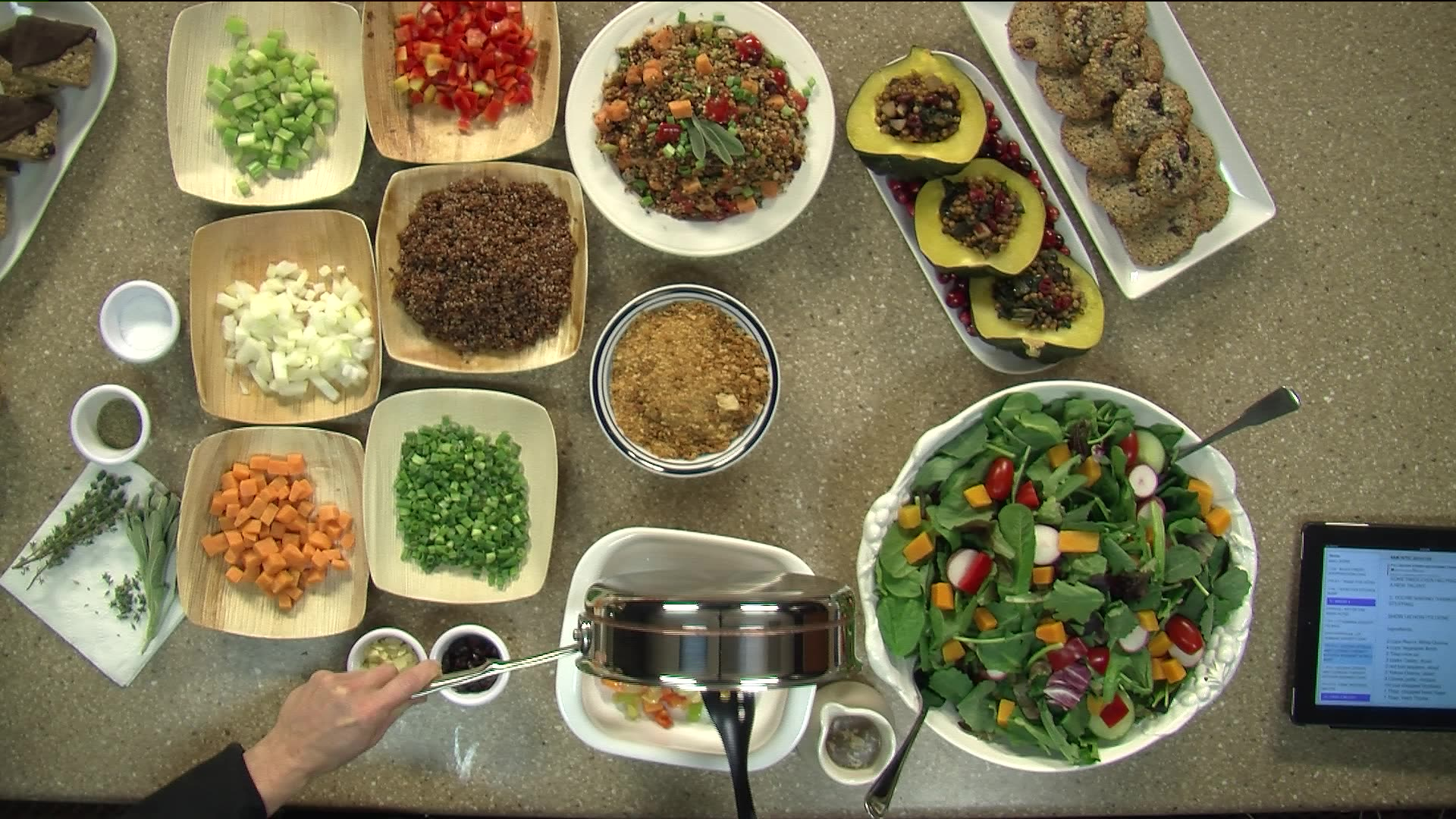 How To Make Thanksgiving Quinoa Stuffing