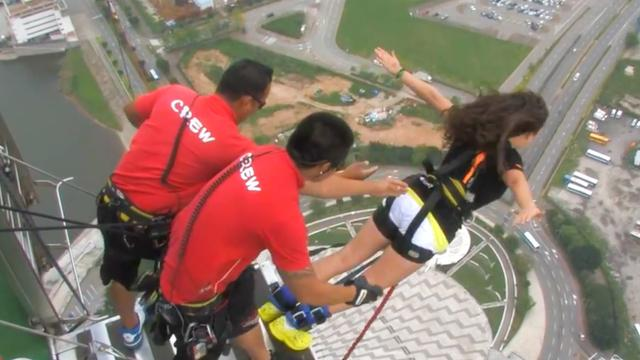 10 Scariest Places to Bungee Jump