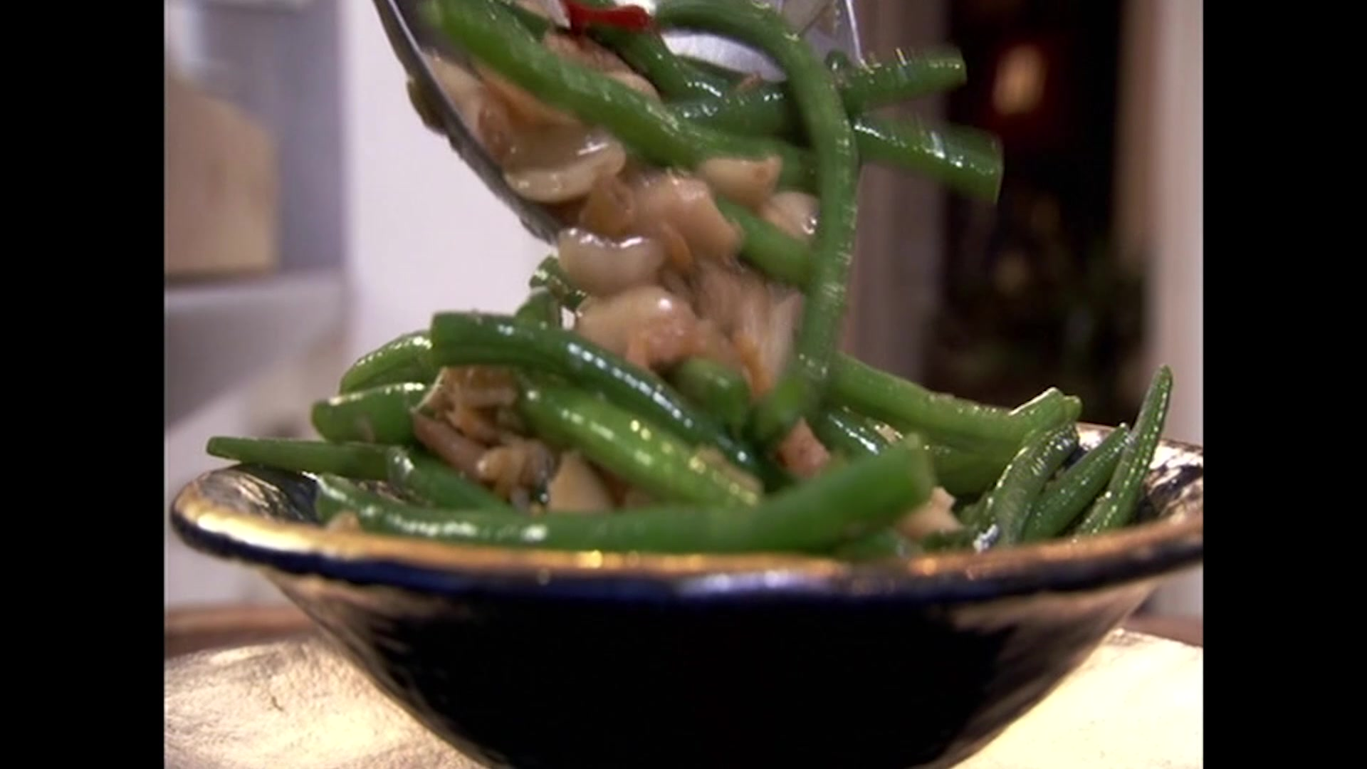 How to Make Chinese Wok Fried Beans