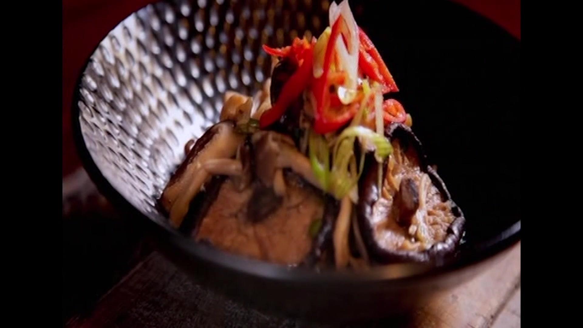 Gok Wan Cooks Stunning Stir-Fried Chinese Mushroom Recipe