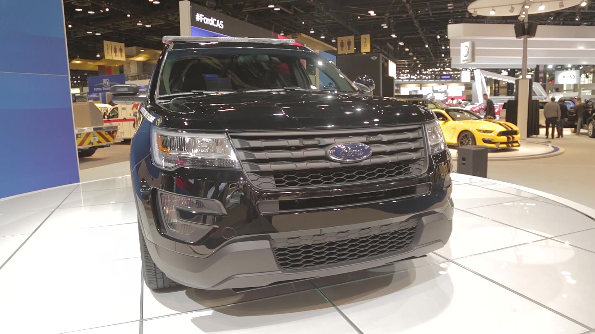 2016 ford police interceptor utility is ready to tackle chicago s 2016 ford police interceptor utility is ready to tackle chicago s mean streets autoblog