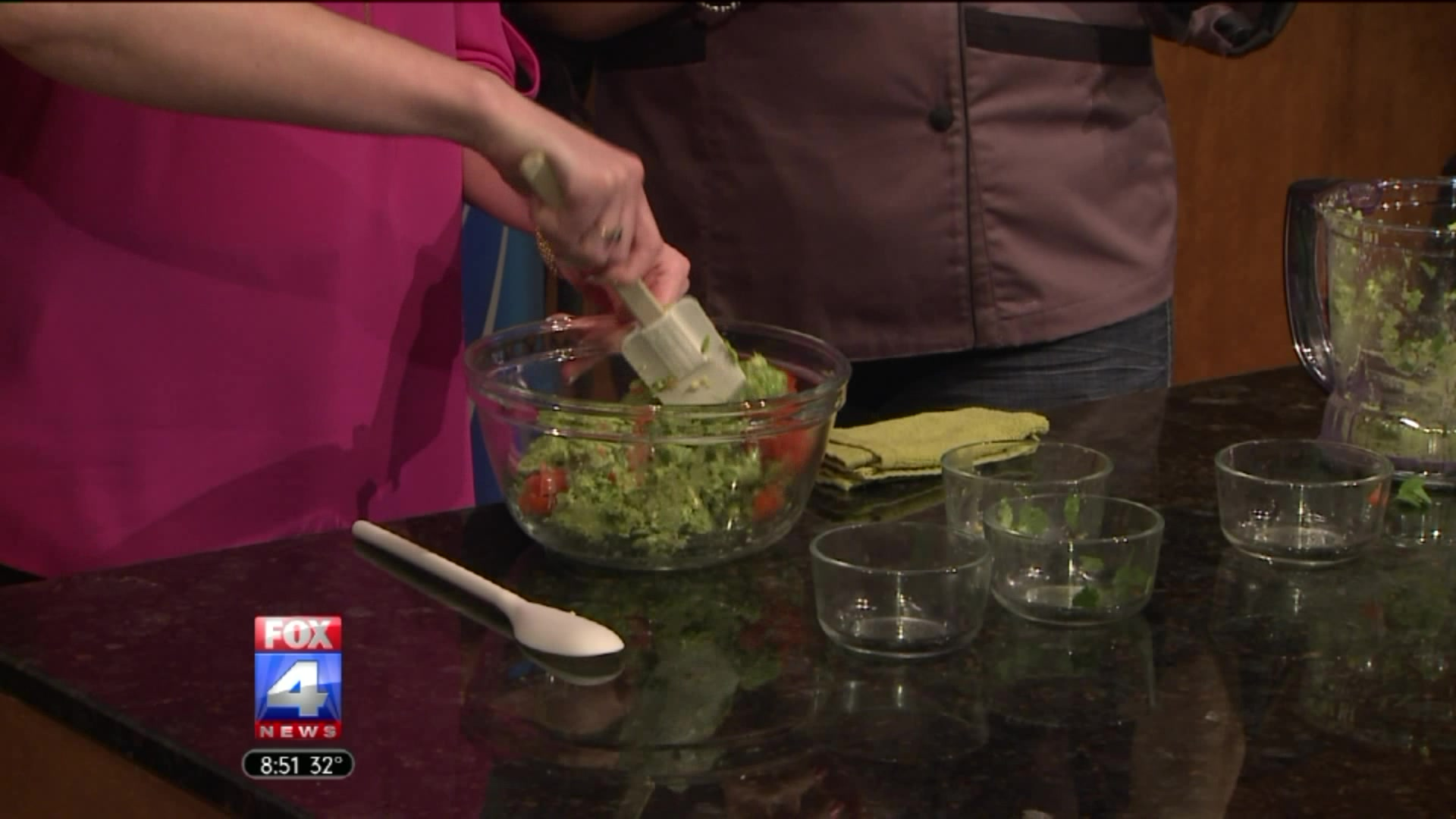 The Secret to Making Low-Fat Guacamole