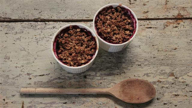 Gluten Free Pear and Blackberry Crumble Recipe