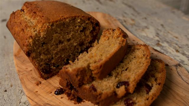 How to Make a Orange Cranberry Bread
