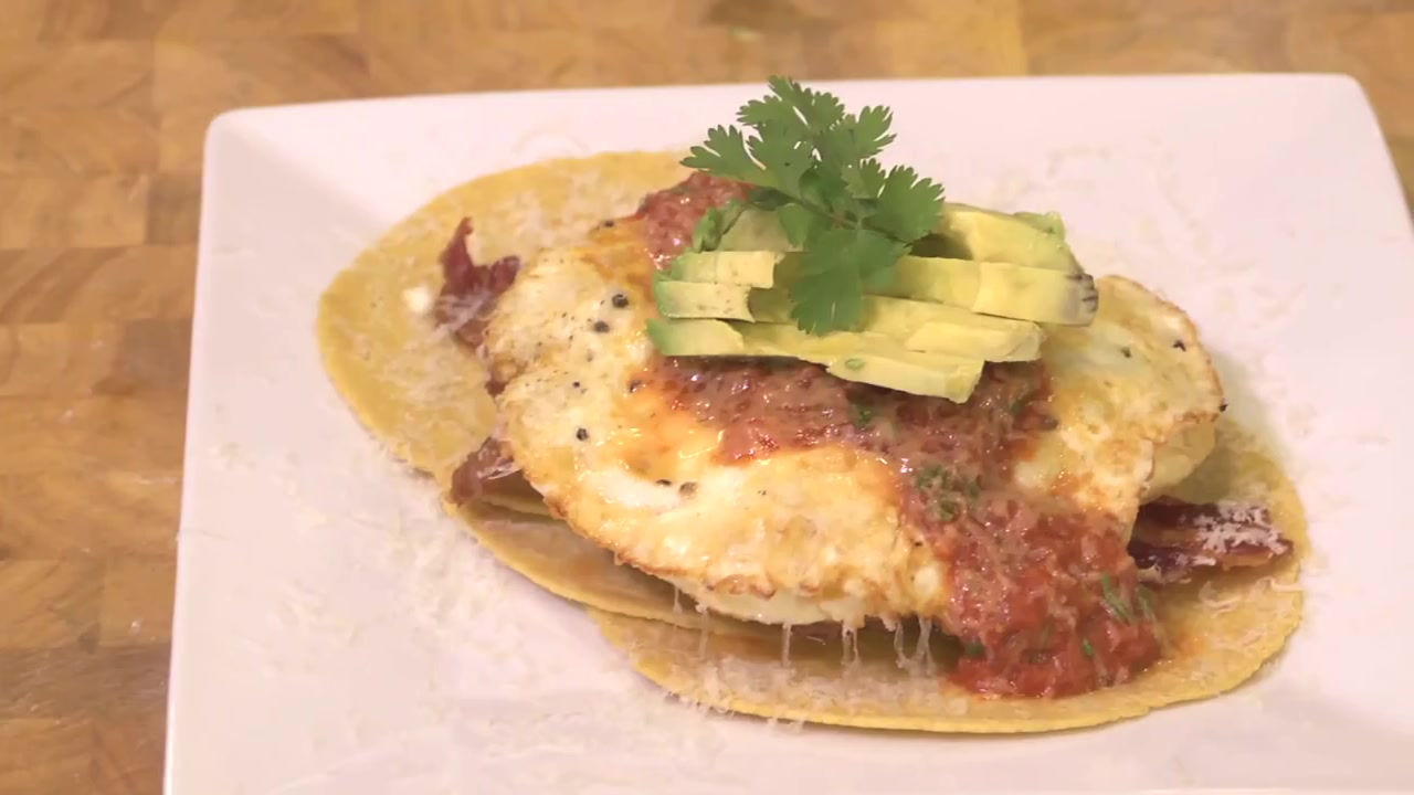 How to Make Huevos Rancheros With Avocado and Crispy Bacon