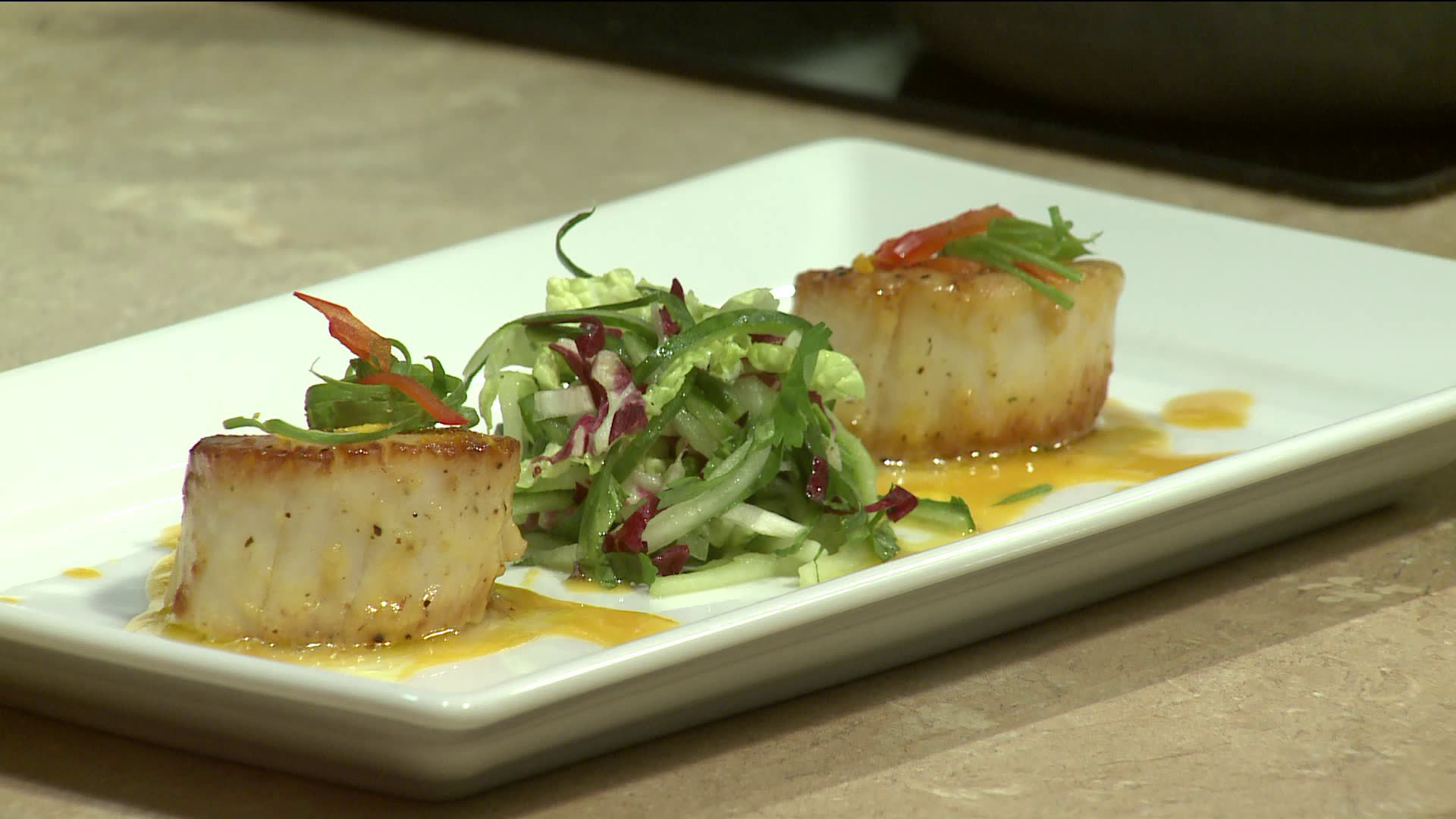 How to Make Tea Crusted Scallops on Minted Cucumber Slaw