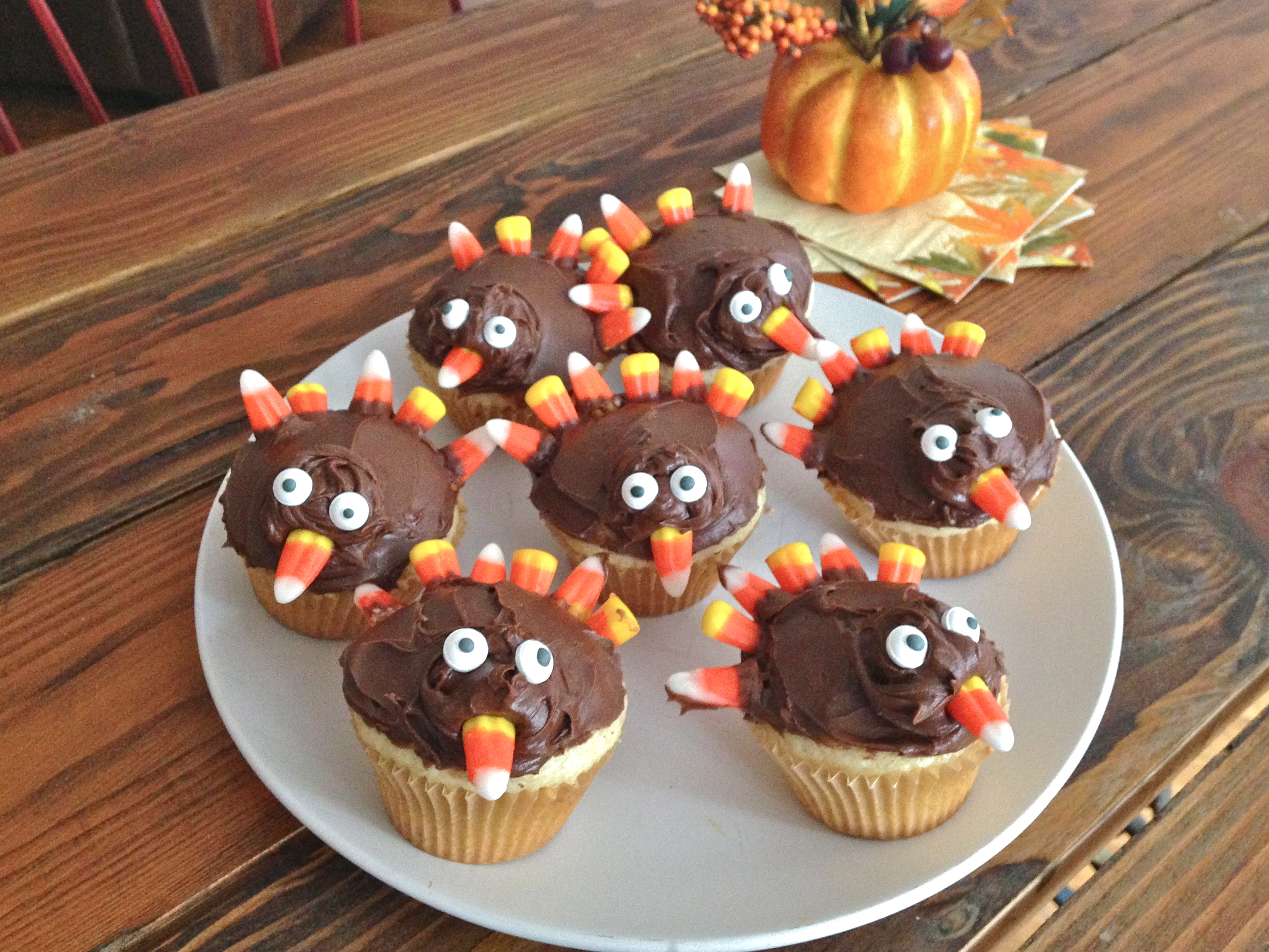 Easy Turkey-Shaped Cupcakes for Thanksgiving