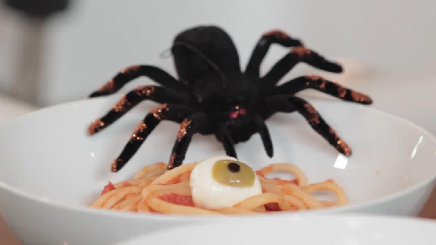 Eyeballs, Blood & Worms Pasta Recipe for Halloween