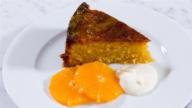 How to Make a Gluten Free Orange Polenta Cake
