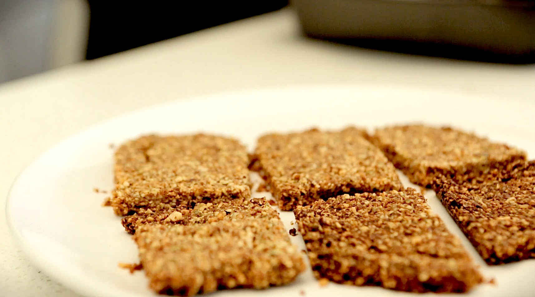 Eat Like a Caveman With This Paleo Granola Bars Recipe