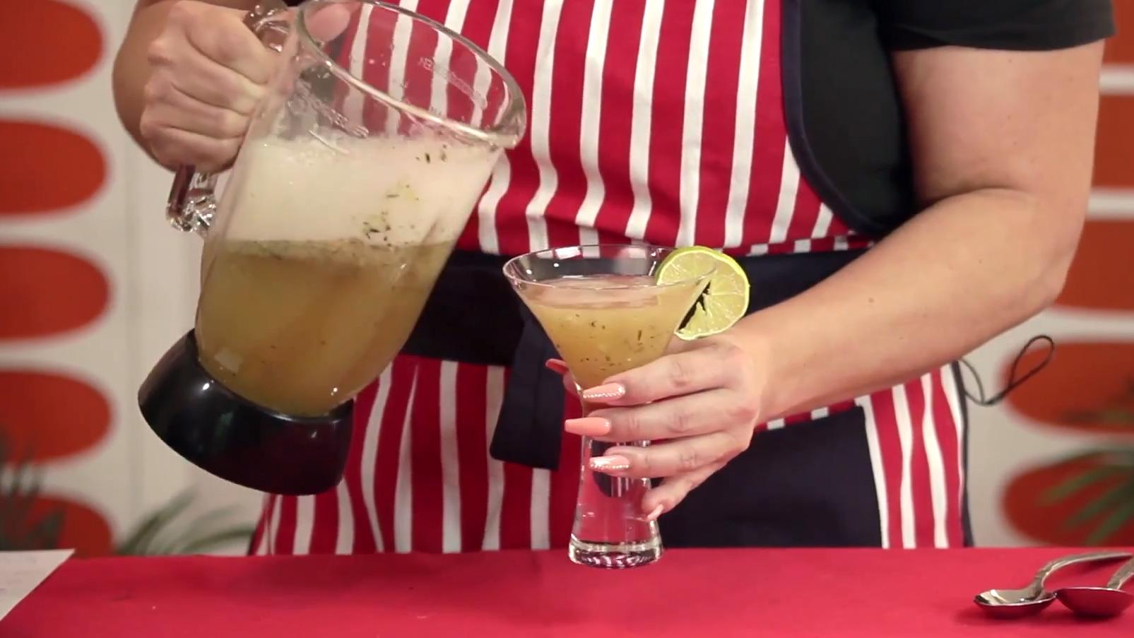 How to Make a Green Tea Mint Daiquiri