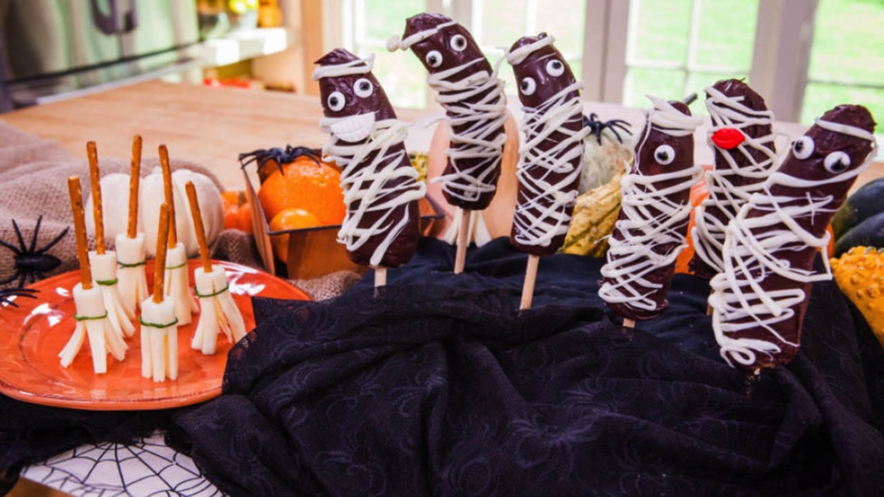 How to Make Halloween Finger Foods
