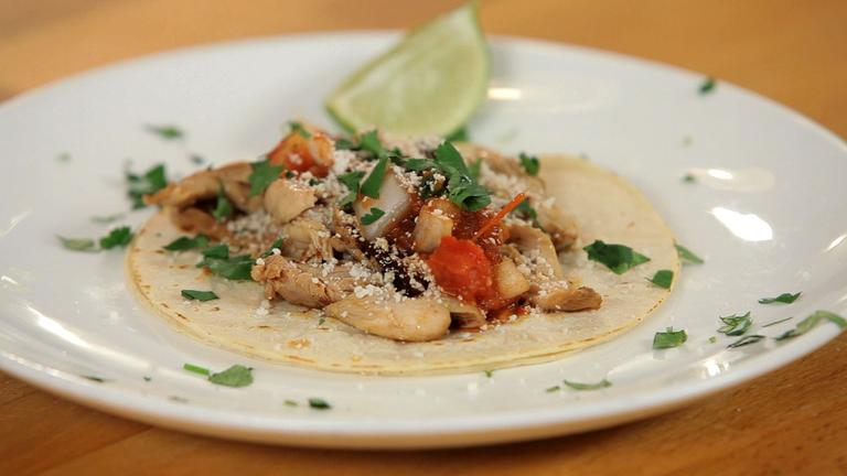 How to Make Chipotle Chicken Tacos