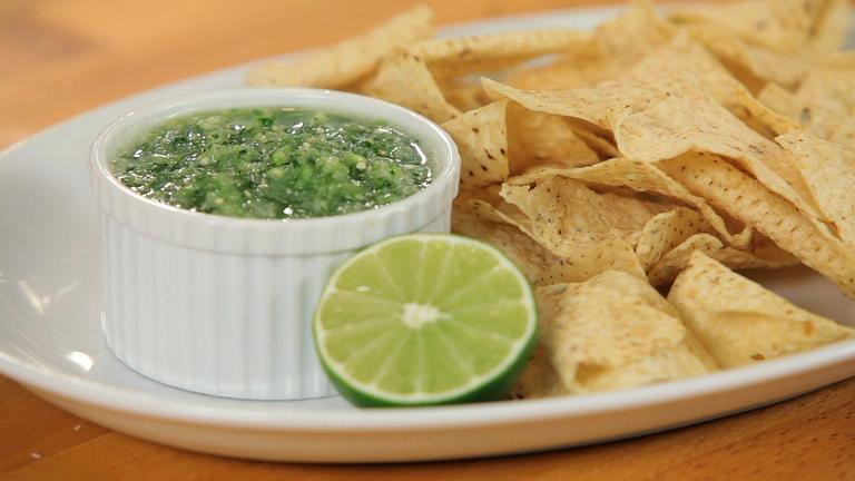 How to Make Green Salsa
