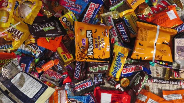 10 Alternate Uses for Leftover Halloween Candy