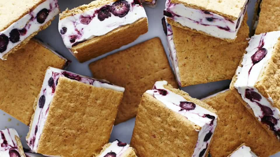 How to Make Ice Cream Sandwiches for a Crowd