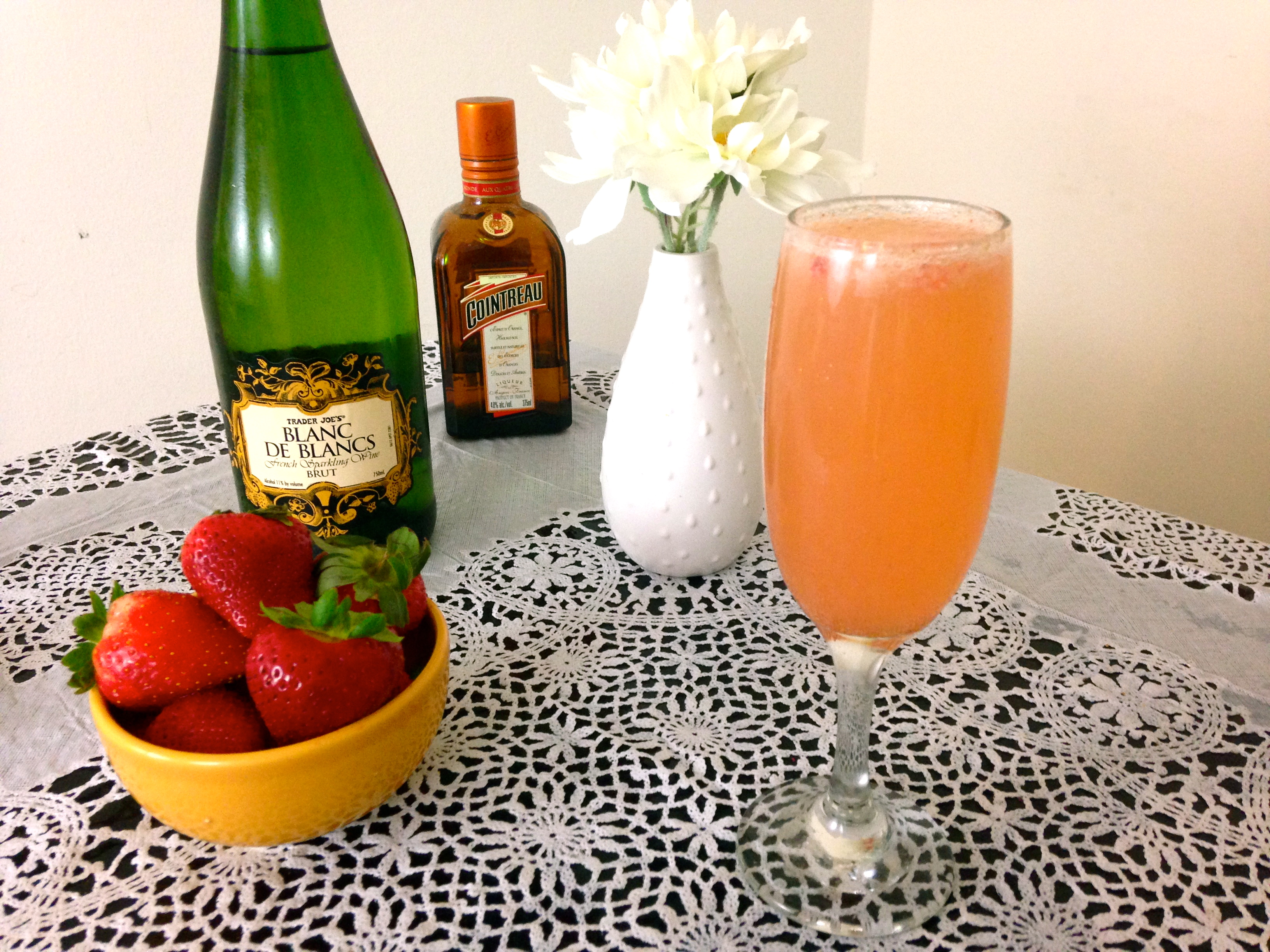 How to Make a Champagne Cocktail With Pureed Strawberries