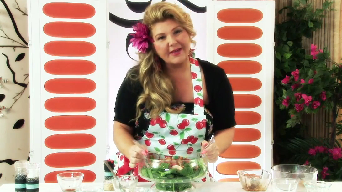 How to Make Peach Spinach Salad and Dressing