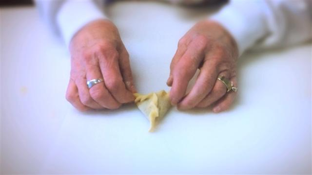 Baking Hamentaschen with the Shaarei Torah Bakers of Portland, Oregon