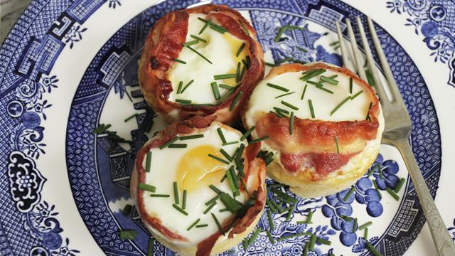 How to Make Bacon and Egg Brunch Cups