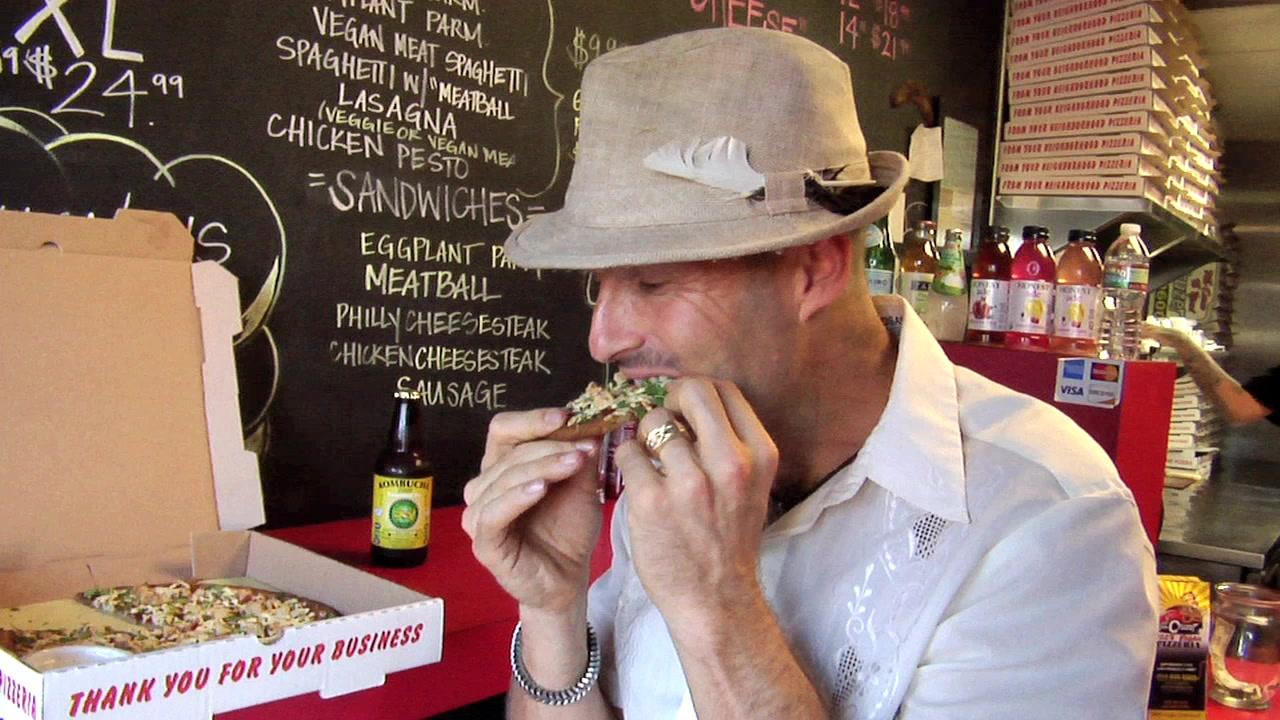 Vegan Man Finds the Best Vegan Pizza in L.A.