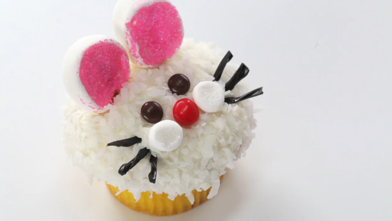 How to Make Bunny Face Cupcakes for Easter