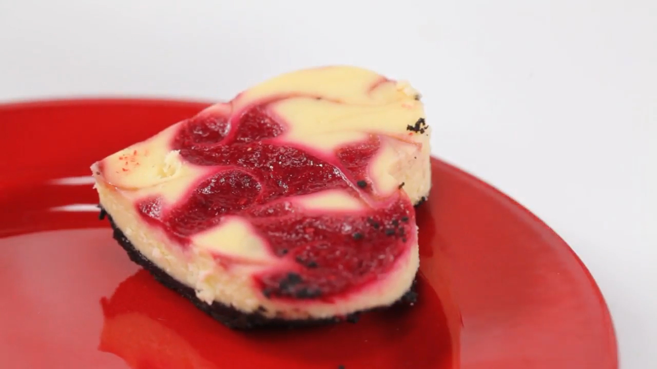 How to Make Raspberry-White Chocolate Cheesecake Bars