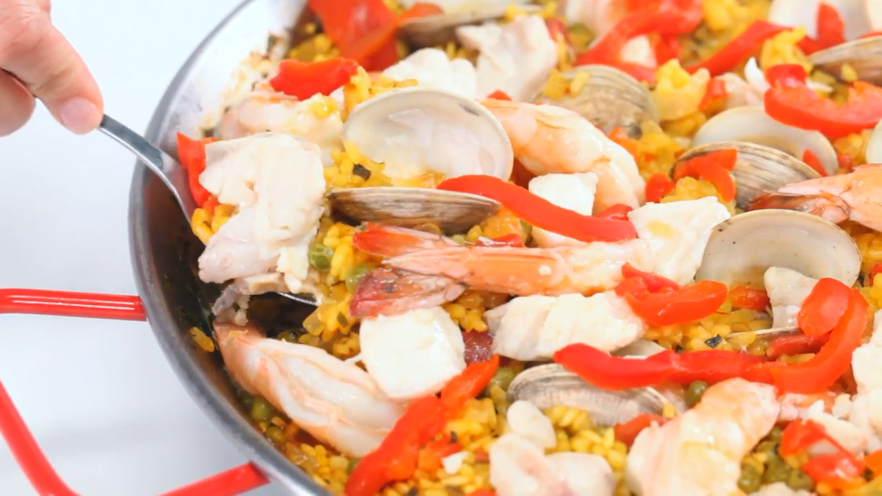 How to Make Spanish Seafood Paella