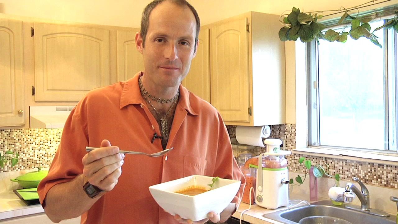 Vegan Man's Raw Carrot Ginger Soup Recipe