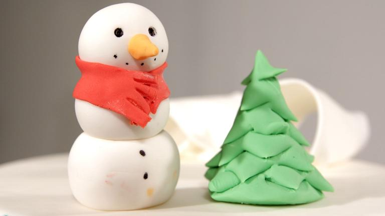 How to Make a Fondant Snowman