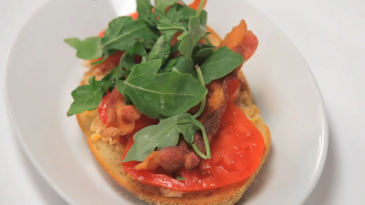 How to Make Open-Faced Pimiento Cheese BLTs