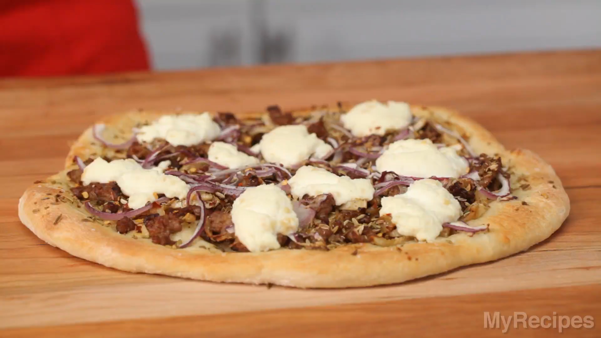 How to Make Sausage, Fennel, and Ricotta Pizza