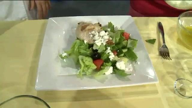 How to Make a Healthy Greek Salad