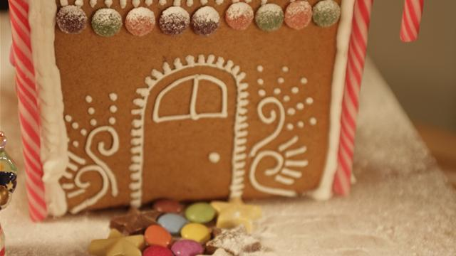 How Make Gingerbread House Icing