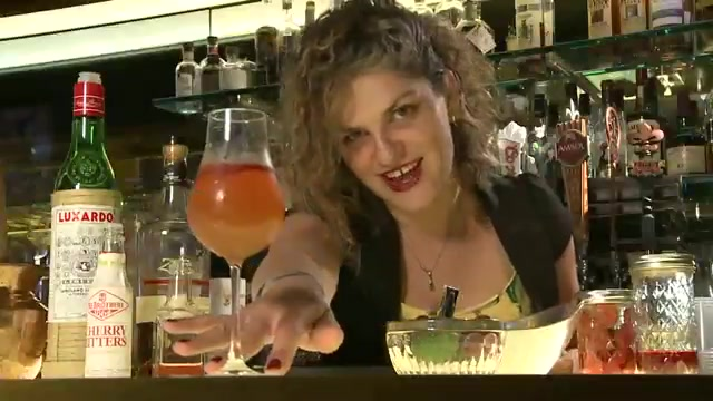 Bartender Sparks Garden to Glass Movement