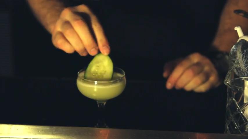 Lo-Cal Cinco De Mayo Cocktails: Cucumber Cup