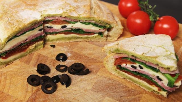 How to Make a Giant Picnic Sandwich