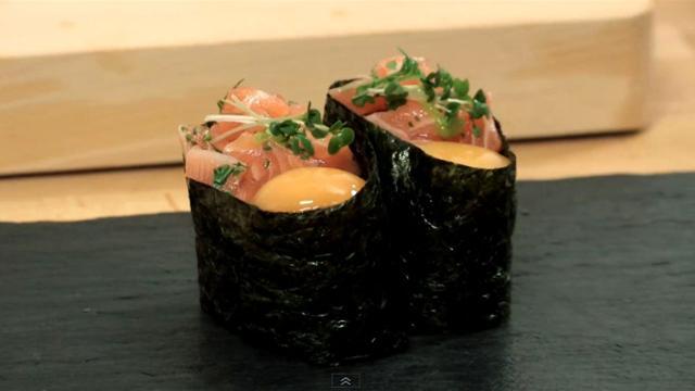 How to Make Salmon and Quail Egg Sushi